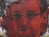 Premičre intervention vidéo-conférence d'Edward Snowden Français.