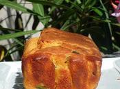 Cake salé courgette huile d'olive pesto alla calabrese balade habitats troglodytiques Calès dans massif Alpilles clichés diaporama