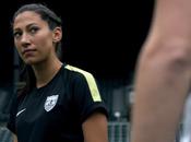 American Woman, l'hymne Nike pour footballeuses.