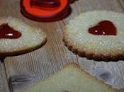 petits biscuits sablés confiture, parfaits pour goûter.