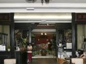 Retour Malaca: L'homme parle esprits lieu