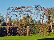 Créations métalliques* esthétiques animent votre jardin
