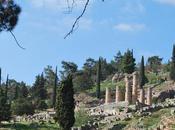 Pythie, intermédiaire entre Apollon Hommes
