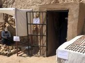 Plus 1000 statuettes sarcophages découverts dans tombe l'ère pharaonique Louxor