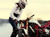 Comment réaliser figures acrobatiques moto