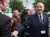 Macron Hollande déguisé Juppé