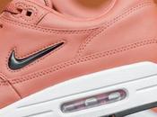 Nike Jewel Premium Peach