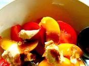 Salade tomates, pêches, fromage haricots blancs