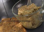 Houmous l'avocat & pois chiches avec crackers graines Healthy Végétarien