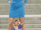 L'homme plus petit monde rencontre femme longues jambes