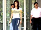 [PHOTOS] Priyanka Chopra sort hospital