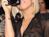 Lady Gaga scotch pour seins