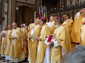 L'autorité Conférences Episcopales provient uniquement St-Siège