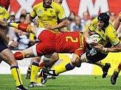 joue aussi titre rugby