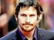 Débarquement Reine Elizabeth écartée, Christian Bale reçu héros