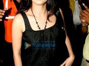[PHOTOS] Dia, Neil, Genelia arrivent IIFA Awards 2009