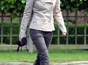 Emma Watson Parc Golder's Hill juillet 2009)