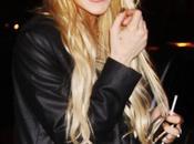 Lindsay Lohan: elle devrait s'acheter montre!