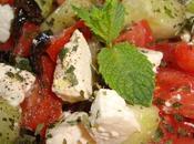Salade grecque Féta, concombre, tomates olives noires