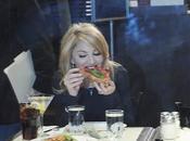 Madonna fait show avec pizza