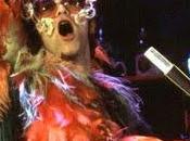 Elton John chante Dolphins