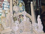 polyèdres ajourés tombeau Gorges dans cathédrale Salisbury (GB)