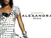 Alexandra Burke footballeuse américaine pour nouveau clip