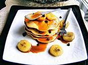 Pancakes pépites chocolat bananes rôties, sauce Caramel-Rhum