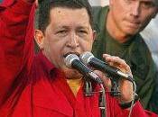 Cinquième Internationale Chavez lève poing