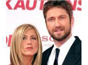 Gérard Butler main fesses Jennifer Aniston