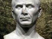 Mark Dion face Jules César Arles