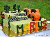 Gâteau d'anniversaire pour enfants, tracteur pâte d'amandes