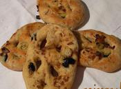 Fougasse semi-complète olives, oignons, basilic thym