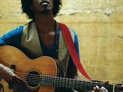 Troubadour chante l'hymne Coca Cola pour Coupe Monde 2010
