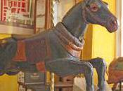 arts forains s'agitent puces Saint Ouen
