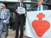 crucifix salles classe italiennes suspendus audience publique Grande chambre (affaire Lautsi Italie)