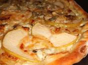 Pizza oignons, pommes gorgonzola
