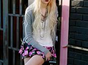 Taylor Momsen très heureuse shooting Material Girl après d'avoir choisie Madonna personne pour collection