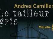 Andrea Camilleri tailleur gris