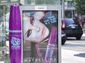 Maybelline maquille abribus pour Falsies