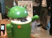 robot géant Android télécommandé