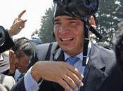 Policiers militaires équatoriens défient Correa