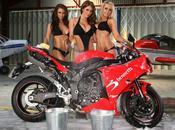 Racolage Publicitaire Bennetts Babes Bikini Bike Wash