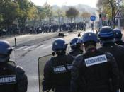 Vidéo casseurs voitures Lyon pendant manifestation contre réforme retraites