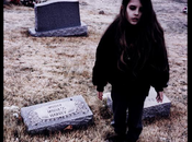 Crystal Castles 'Not Love' (Feat. Robert Smith) Cristal (II)