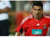 Maxi Pereira prêt prendre points.