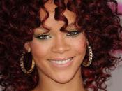 Rihanna chante medley American Music Awards 2010