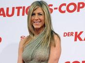 Jennifer Aniston Surprise main dans avec Adrien brody