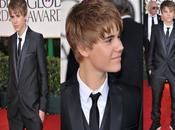 Justin Bieber Super bien habillé Golden Globes 2011