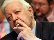Accro cigarette, l'ancien chancelier Schmidt rattrapé justice